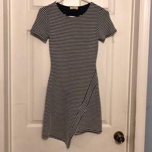 B&W Stripped Bodycon Short Sleeve Dress